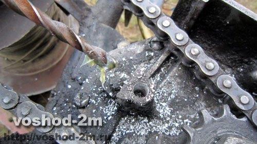 Сверло в солидоле для извлечения стружки